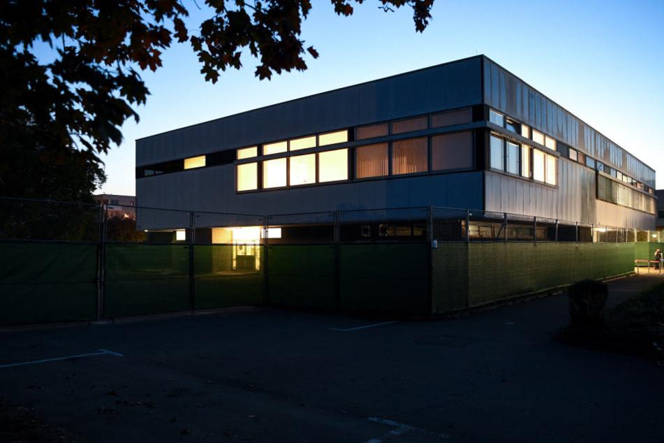 Das Landgericht Konstanz verurteilt den ersten Angeklagten zu einer Bewährungsstrafe.