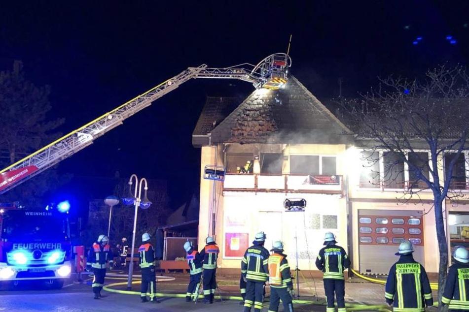 Am Gebäude entstand ein Schaden in Höhe von mehreren zehntausend Euros.