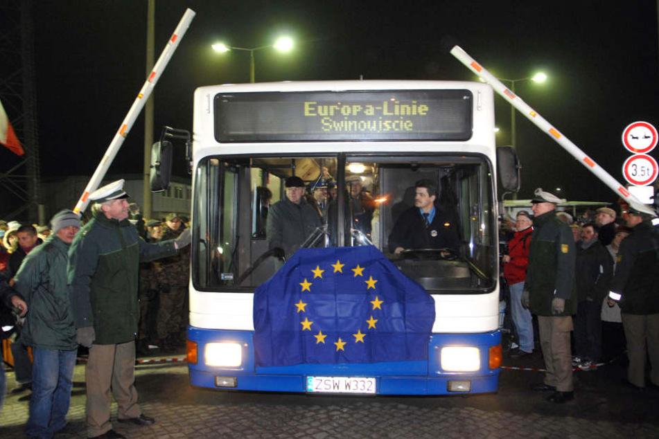 Mit einem EU-Bus wurden die offenen Grenhzen in Ahlbeck-Swinemuende im vergangenen Dezember noch gefeiert