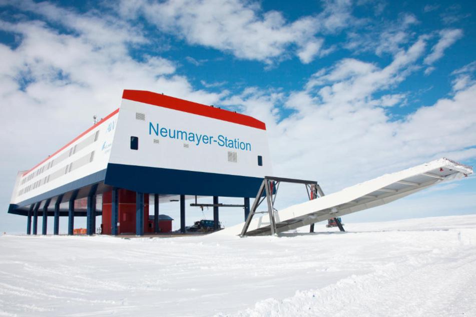 So sieht die Forschungsstation Neumayer III in der Antarktis aus.