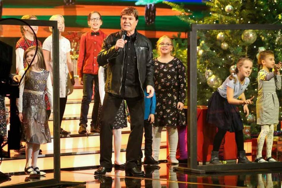 """Schlagerstar Frank Schöbel (76) sucht Kinderstimmen für Konzerte seiner """"Fröhliche Weihnachten in Familie""""-Tour."""