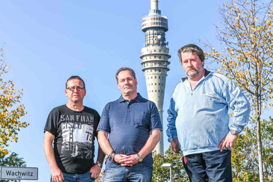 Stefan Berthold (56, l.), Uwe Katscher (53, M.) und Hendrik Haufe (52, r.) sehen die Wiederbelebung des Fernsehturms kritisch.