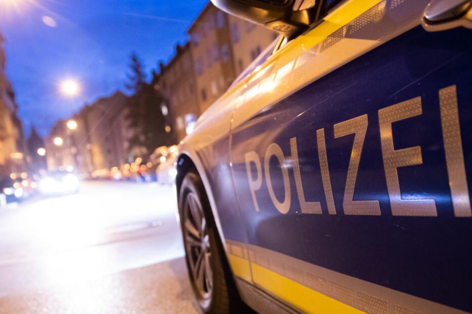 Sturzbetrunkener Jugendlicher verläuft sich: Unfassbar, wo die Polizei ihn aufgreift