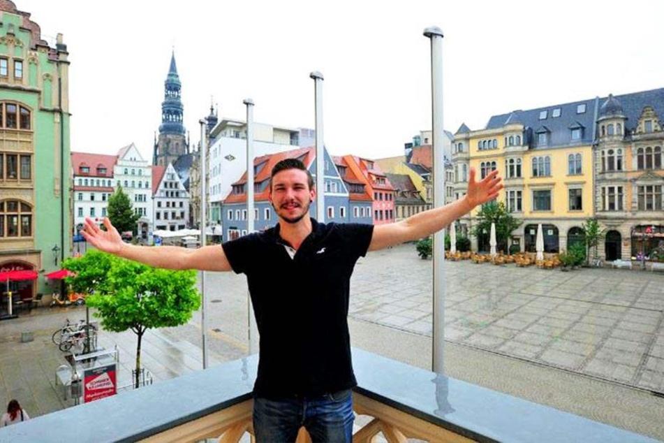 Endlich geht es los: Gemeinsam mit einer Jury sucht der HipHoper Smaxizs alias Christopher Kühn (28) den neuen Zwickauer Superstar.