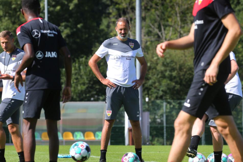 Pellegrino Matarazzo (42) beobachtet seine Mannschaft im Trainingslager in Kitzbühel.