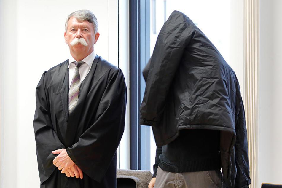 Rico U. (36) beim Prozessauftakt vor dem Landgericht Chemnitz. (Archivbild)