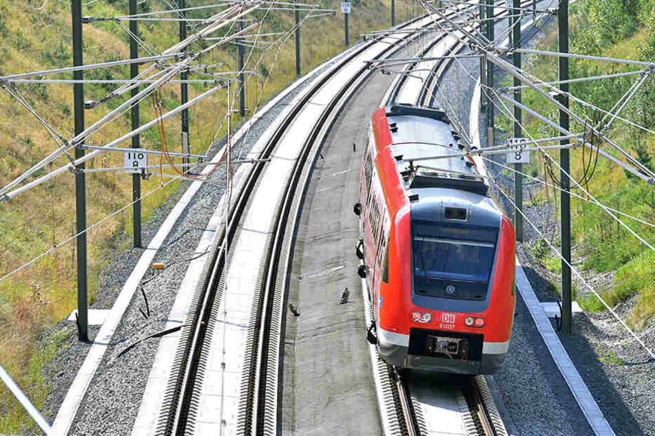 Die Deutsch Bahn testet eine neue Bahnstrecke zwischen Gera und Weimar.