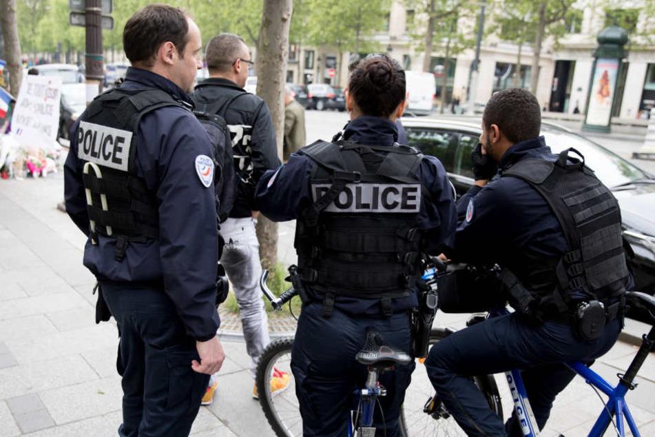 Nach einer tödlichen Terrorattacke auf Polizisten am vergangenen Donnerstag, liegen die Nerven blank.