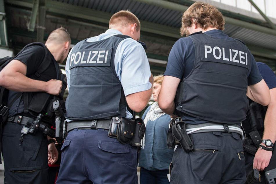 Der Mann, der die Frau sexuell belästigte, konnte der Polizei übergeben werden (Symbolfoto).