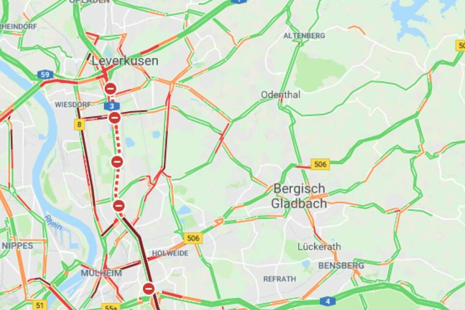 Vollsperrung auf der A3 am Kreuz Leverkusen: Langer Rückstau