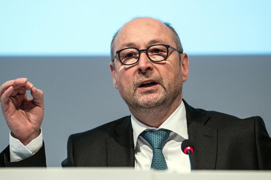 Vonovia-Chef Rolf Buch (53) will sich stärker um Härtefälle kümmern.