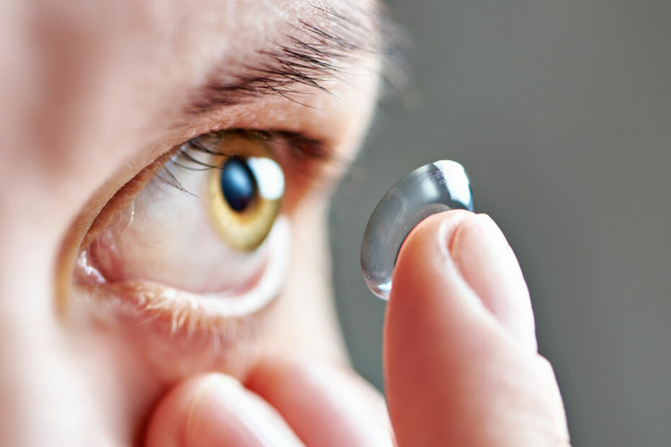 Der Brite benutzte seit längerer Zeit Kontaktlinsen, um wieder richtig Sport treiben zu können.