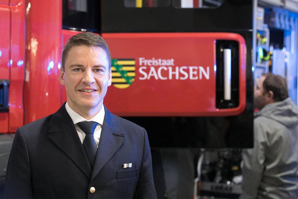 Sachsens Landesbranddirektor und Ausbildungschef René Kraus (44) will die bislang einzige Feuerwehrschule in Nardt ausbauen lassen.