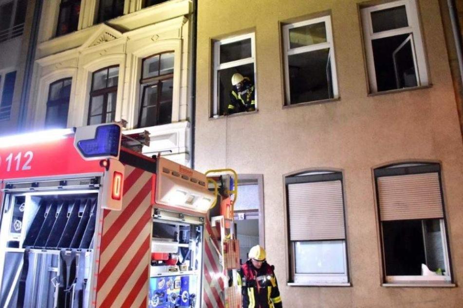 Das Wohnhaus ist durch den Großbrand einsturzgefährdet.