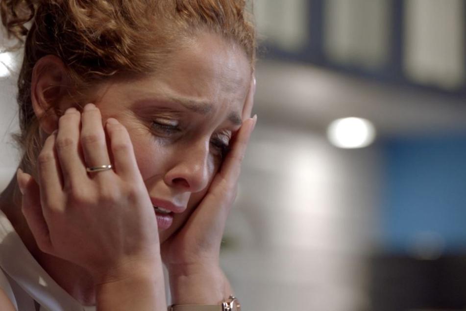 Nina Ahrens (gespielt von Maria Wedig) kann es nicht fassen: Ihr Mann hat sie schon wieder geschlagen-