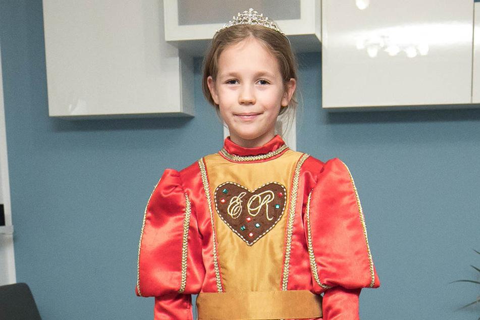 Nach ihrer Krönung wird sie Orden verleihen: Pfefferkuchenprinzessin Annabell Lina (7).