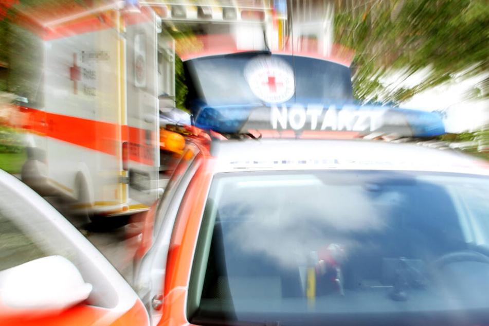 Die Rettungskräfte konnten dem Lkw-Fahrer nicht mehr helfen (Symbolbild).