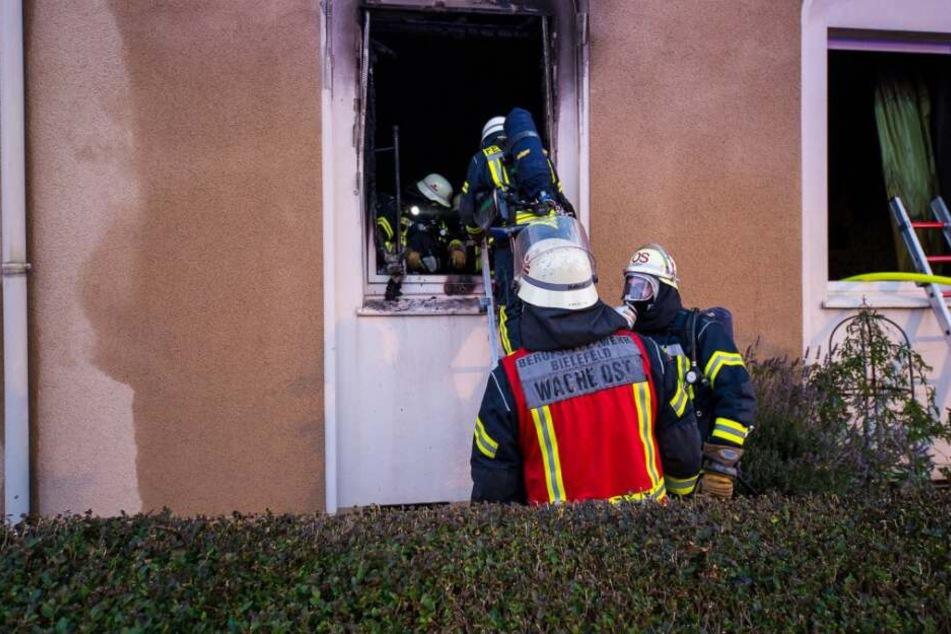 Zunächst gingen die Einsatzkräfte von einem normalen Wohnungsbrand aus.