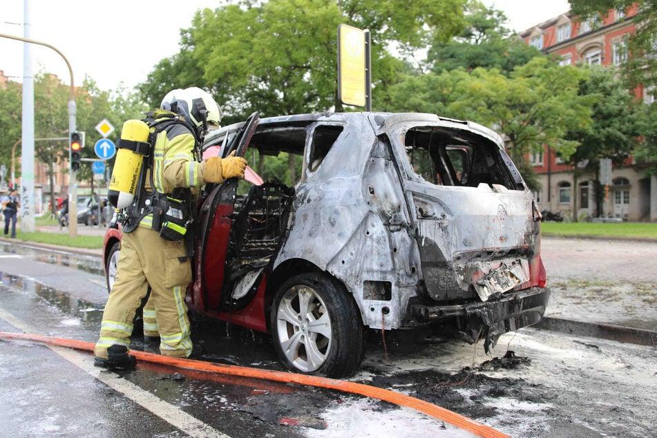 Bisher ist noch nicht geklärt, ob das Auto in Bewegung war, als es Feuer fing.