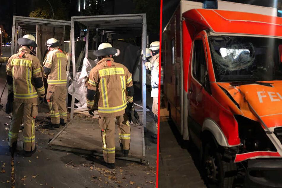 Auf dem Weg ins Krankenhaus: Rettungswagen kracht gegen Bauzaun!