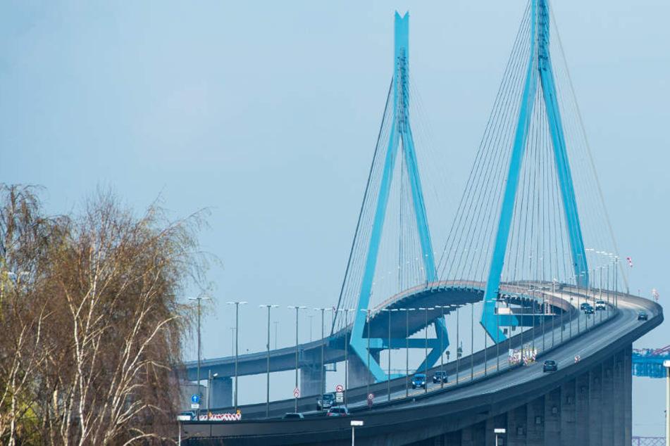 Die Köhlbrandbrücke ist seit 1974 Wahrzeichen der Stadt.