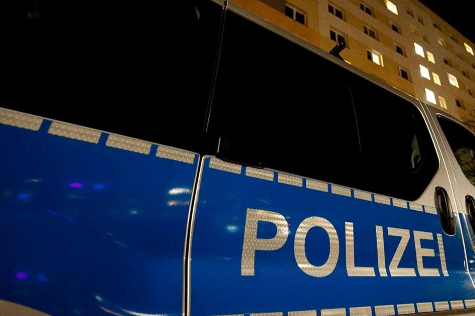 Die Polizei nahm sofort die Suche nach den Tätern auf, hatte aber keinen Erfolg.