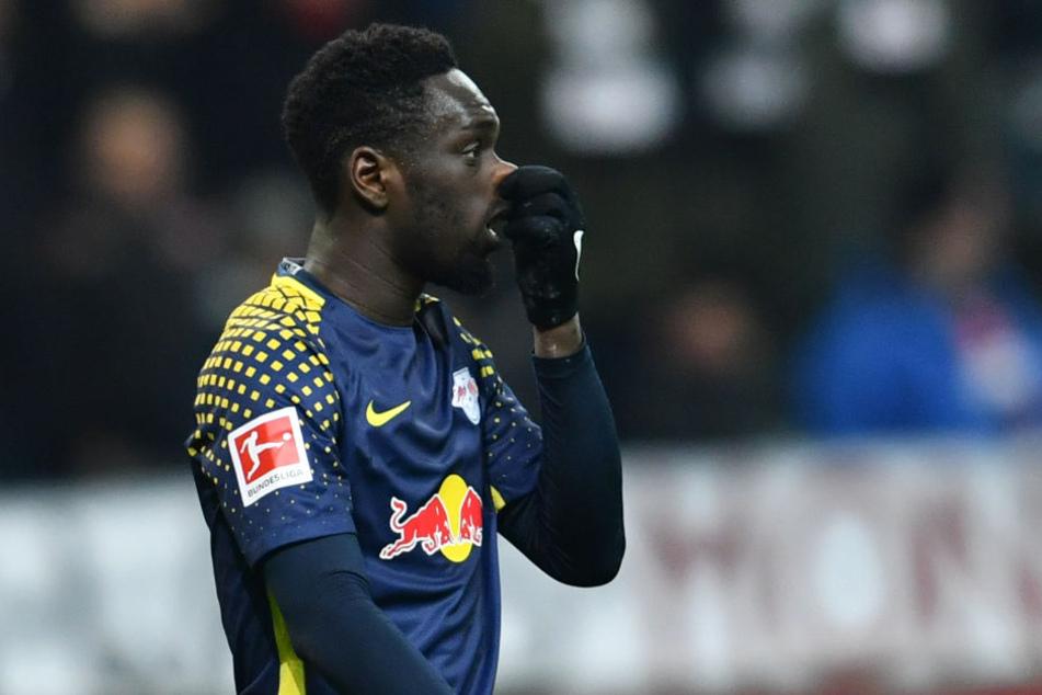 Ach du meine Nase! Torschütze Jean-Kevin Augustin konnte mit seinem Treffer RB Leipzig zwar in Führung schießen, den Sieg jedoch nicht mit nach Sachsen nehmen.