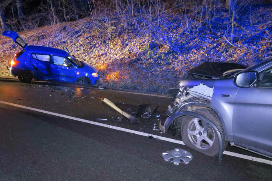 Skoda kracht in Gegenverkehr: 18-Jährige schwer verletzt