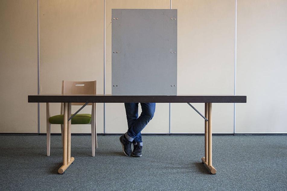 Es kommt auf jede Stimme an. Auch Unentschlossene oder Politikmüde sollten sich also beteiligen und ihr Wahlrecht nutzen!