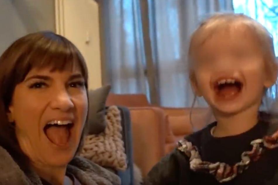Auch ihre Tochter Ella präsentiert Isabell in ihrem Video.