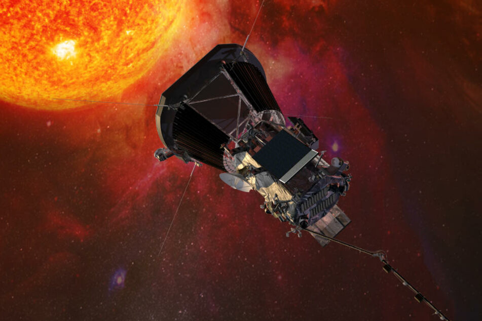"""Die Computergrafik zeigt die """"Parker Solar Probe""""-Sonde der US-Raumfahrtbehörde Nasa auf dem Weg zur Sonne."""