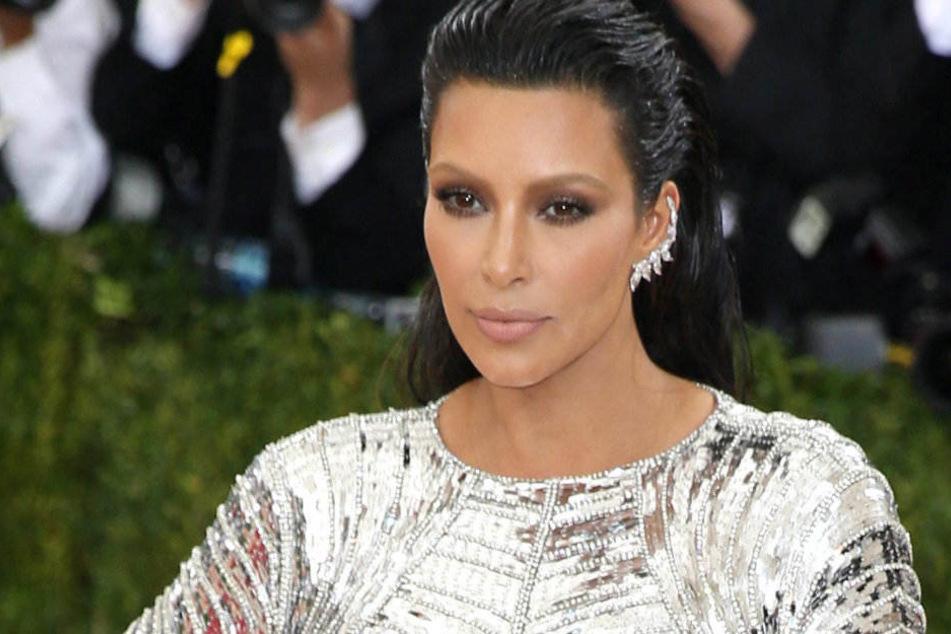Kim Kardashian ist seit Januar dreifache Mutter.