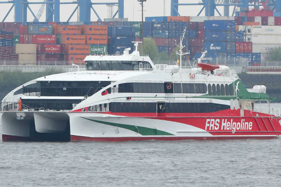 """Der Katamaran """"Halunder Jet"""" fährt auch erstmals zum Jahreswechsel zwischen Hamburg und Helgoland."""