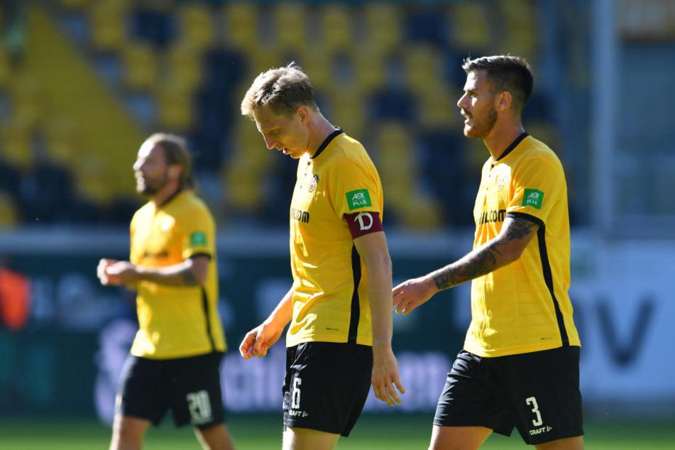 Hängende Köpfe nach der ersten Halbzeit: Dynamo bemühte sich, doch am Ende der zweiten Englischen Woche in Serie schwanden die Kräfte.