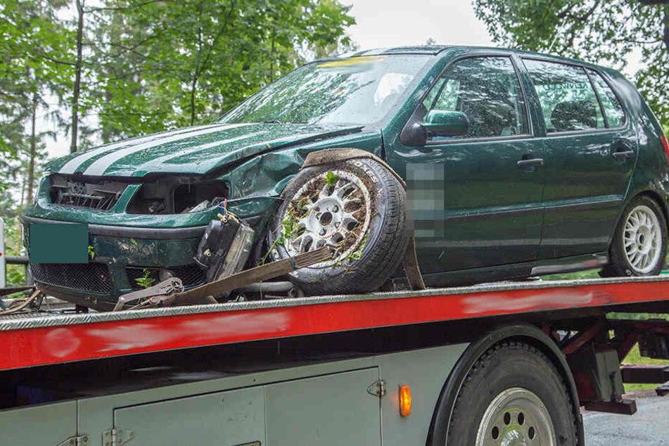 Bei dem Unfall wurde das Vorderrad herausgerissen.