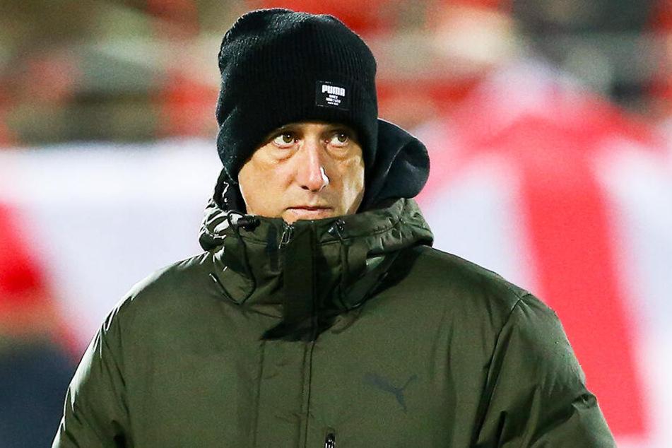 Coach Joe Enochs muss mit seiner Truppe ganz schnell eine Trendwende herbeiführen.
