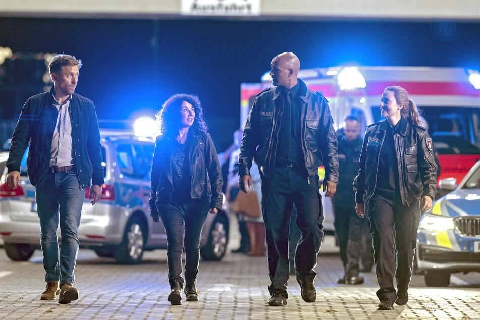 Wie in den Serien-Folgen gehören (v.l.n.r.) Peter Fieseler, Maria Ketikidou, Patrick Abozen und Wanda Perdelwitz zum Team.