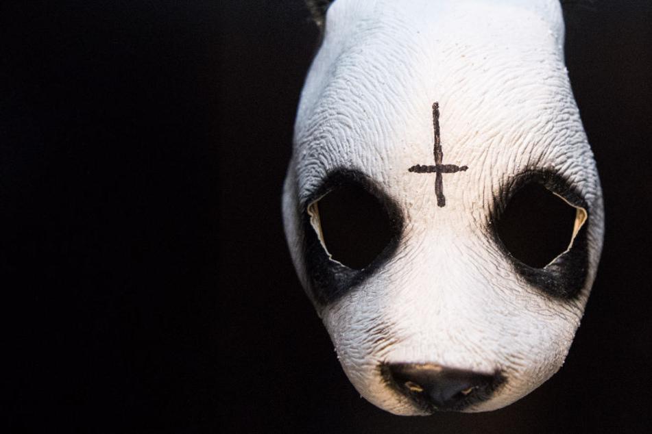 Auch eine Maske von Cro ist ausgestellt.