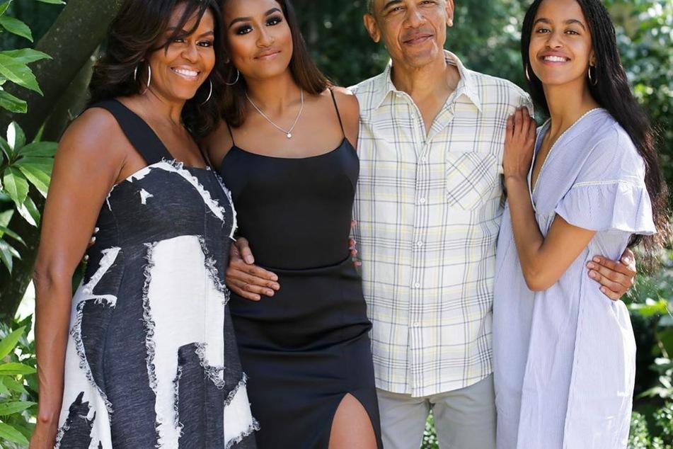 Michelle Obama (56) mit Ehemann Barack (59) und den Töchtern Sasha (2.v.l., 19) und Malia (22).