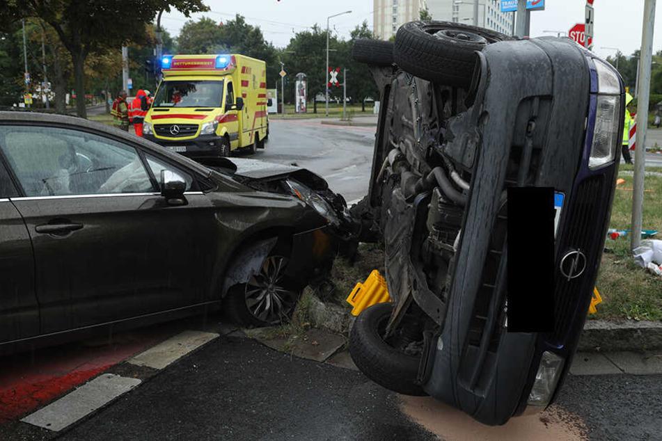 Der Rettungsdienst brachte alle Unfallopfer in ein Krankenhaus.