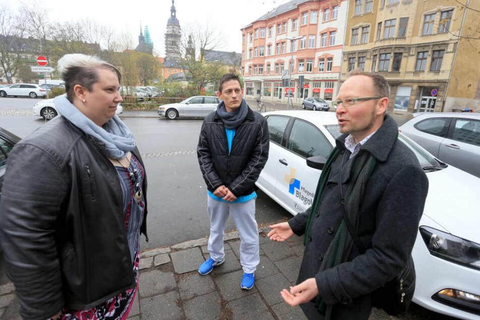 Pflegedienste wettern gegen Parkgebühren. Stadtrat Andreas Wolf-Kather (41, Vosi/Piraten) Jamina Uerlings (33) und Kevin Bunk (27).