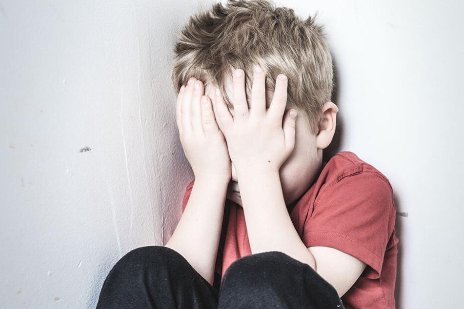 In Zukunft sollen auch Bischöfe, die sexuellen Missbrauch an Kindern in der katholischen Kirche vertuschen, zur Verantwortung gezogen werden. (Symbolbild)