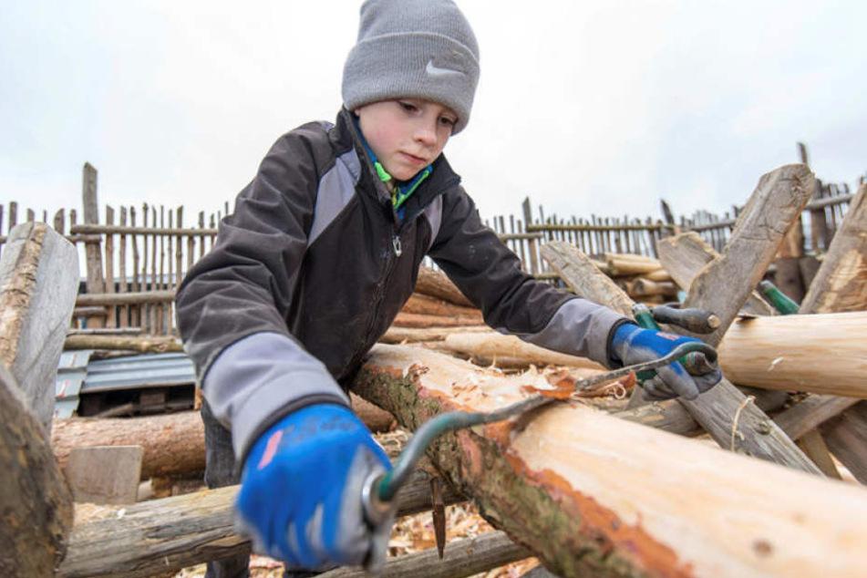 Im historischen Dorf zu Zwickau können sich Kinder und Jugendliche auch handwerklich betätigen.