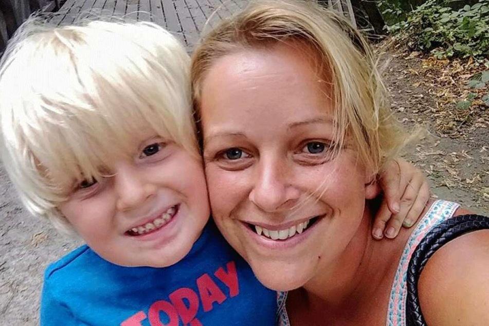 Vicky Page (36) mit ihrem Sohn Noah auf einem Facebook-Selfie.