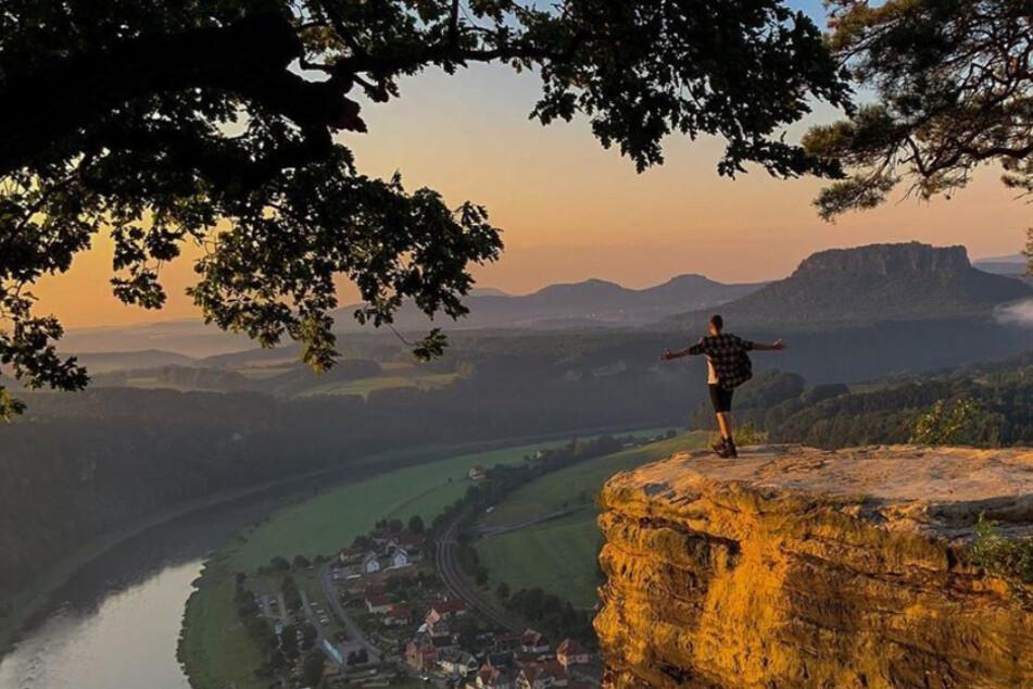 Blogger kraxelt vor Sonnenaufgang übers Geländer: Dieses Bastei-Foto sorgt für Ärger