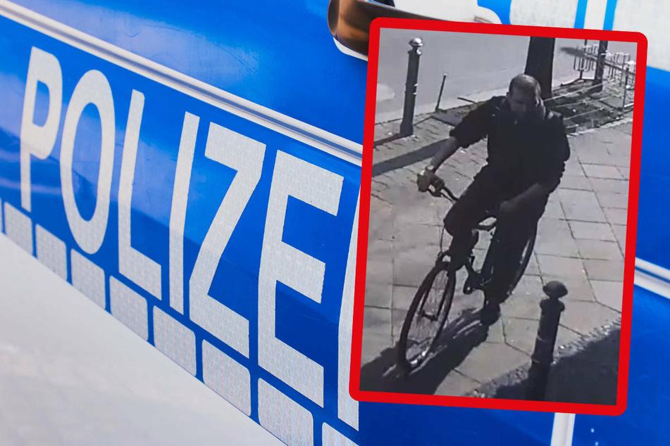 Die Polizei Berlin bittet mit einer Öffentlichkeitsfahndung um Mithilfe bei der Suche nach einem Mann, der in Berlin-Schöneberg einen 13-Jährigen überfallen haben soll.
