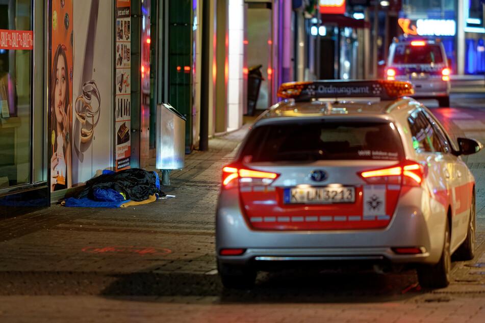 Das Ordnungsamt in Köln bei der Kontrolle der Innenstadt.