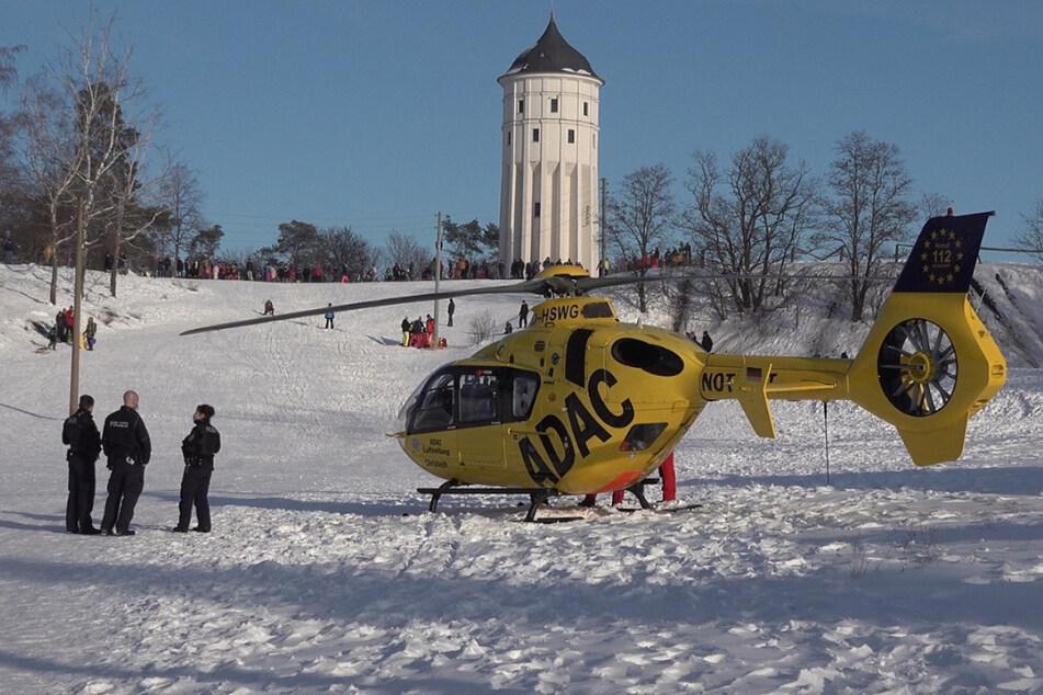 Hubschrauber im Einsatz: 12-jähriger Junge bei Rodelunfall verletzt