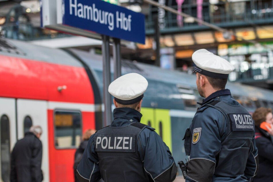 Messer-Mann in Regionalexpress nach Hamburg gestoppt
