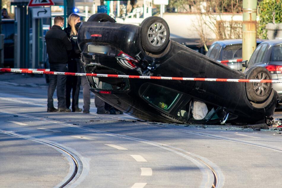 Peugeot überfährt in Frankfurt zwei Fußgänger, beide sterben